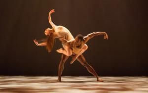 BalletX-Chloe-Felesina-William-Cannon-in-Jodie-Gates'-Delicate-Balance-Photo-by-Matthew-Murphy