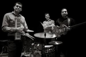 A-Trio Shalva Lo res