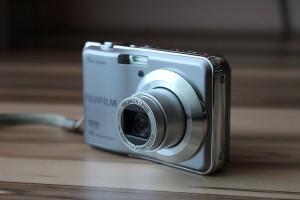digital-camera-600645_640