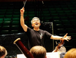 Conductor_Jun_Nakabayashi_Rehearses_the_Festival_Orchestra_Michelle_Jacobs_2014_SM_72_500