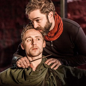 Coriolanus-(Tom-Hiddleston)Photo-by-Johan-Persson