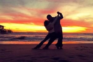 tango on beach 2