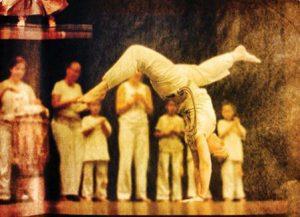 Instrutora Coruja Handstand